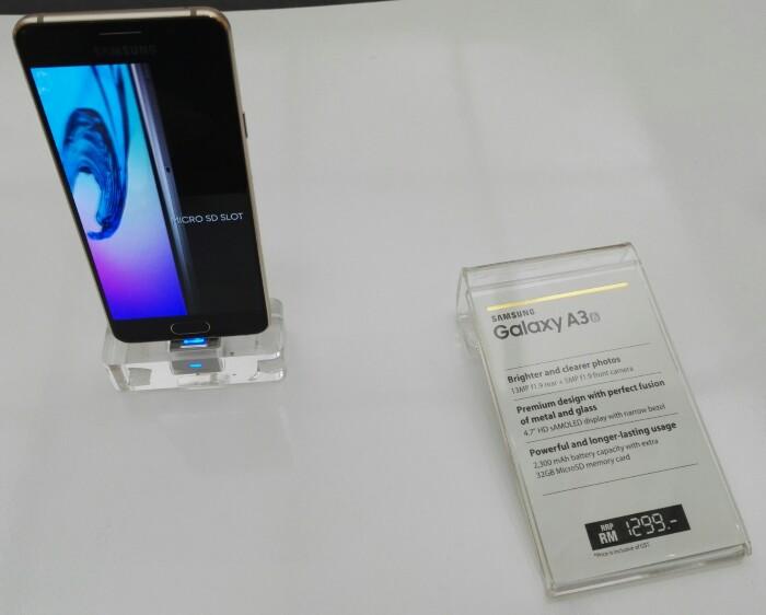 Samsung Galaxy A3 Main
