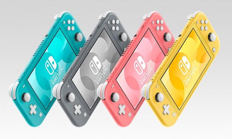 Nintendo Switch Lite Coral 1.jpg